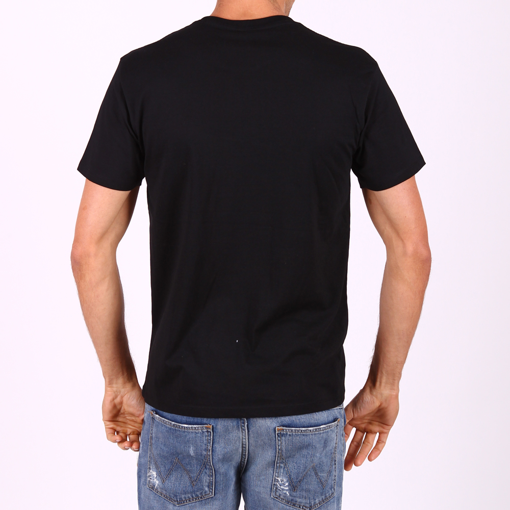 The gallery for blank t shirt model for Model black t shirt